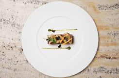 Armani-Hotel-restaurant-Milan-01