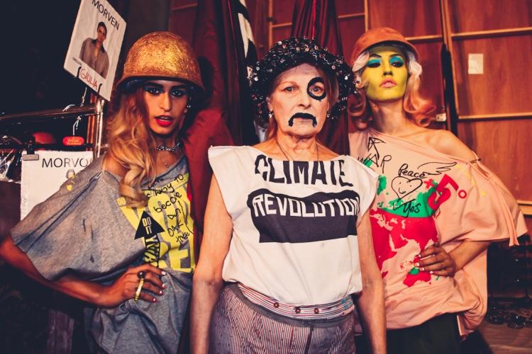 Vivienne backstage protesting by Marta Lamovsek-2